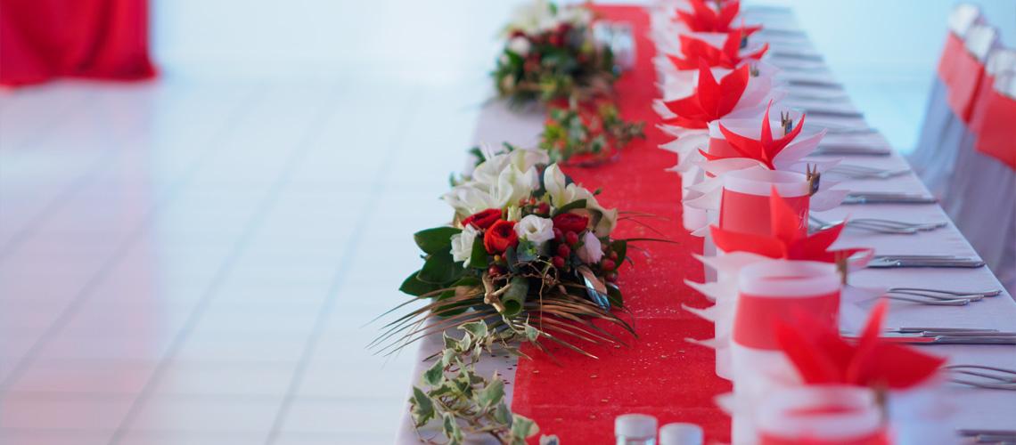 les festivit s continuent premier mariage 2017 un fleuriste votre coute. Black Bedroom Furniture Sets. Home Design Ideas